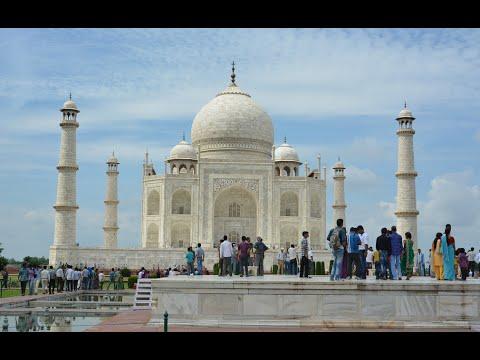 Visiting Taj Mahal, Mausoleum in Agra, India