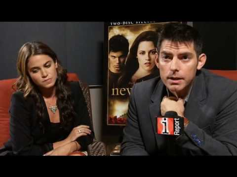 Twilight - New Moon Director Chris Weitz & Nikki Reed