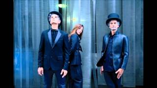 Blonde Redhead - For The Damaged + For The Damaged Coda