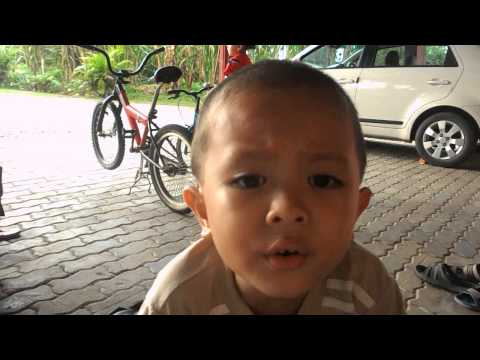 Ultraman Mebius Song Singing By Young Child From Malaysia (4th Years Old 2012) ! video