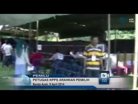 Petugas KPPS di Aceh Utara Arahkan Pemilih