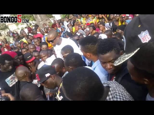 Watu wajitokeza kwa wingi kumzika msanii wa Wanaume Family YP