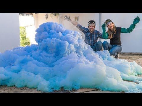 Pasta de dentes de baleia azul (experiência de Química)