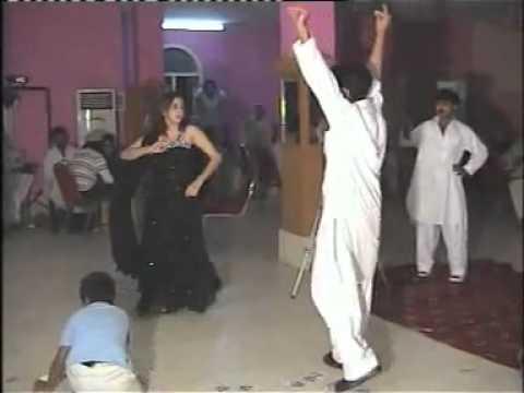 NEW PUNJABI GIRL DANCE WITH PASHTO MAST MUSIC  _ WEDDING 2 (...
