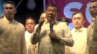 download lagu Duterte Faces Protesters After Sona 2017 gratis