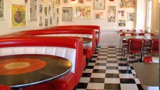 Cafe Diner Bar 50's American style tel. 888 877 866