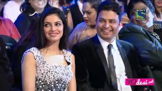 ShahRukh Khan Grand Entry and Performance Filmare 2016