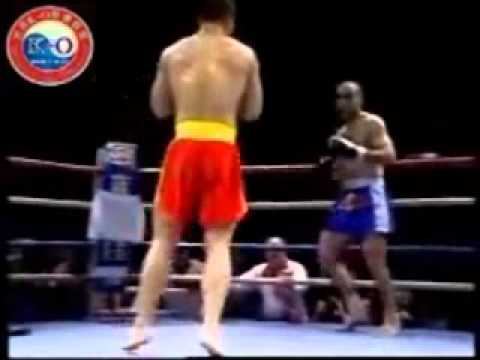Liu Hai Long vs Samedov Rasim (�� / �� Sanda/Sanshou VS 極��館 Kyokushin Karate)