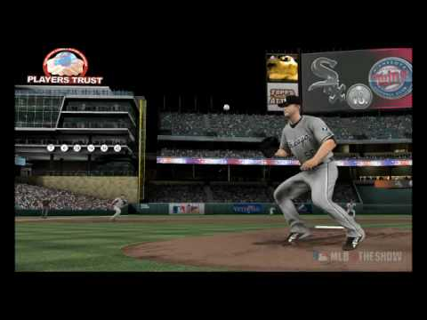 Mark Buehrle takes line drive off forehead...and makes the catch - MLB 10 The Show (PS3)