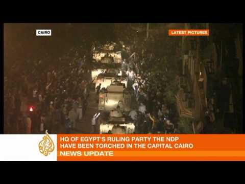 Egyptian military protects state TV in Cairo
