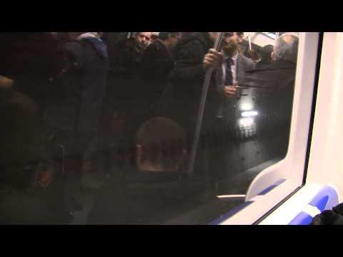 Visita de l'L9 en proves de l'aeroport a Fira, amb el màxim responsable del Mobile World Congress