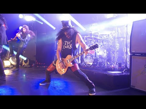 Download Slash ft. Myles Kennedy & The Conspirators - Slither Live At The Roxy Mp4 baru