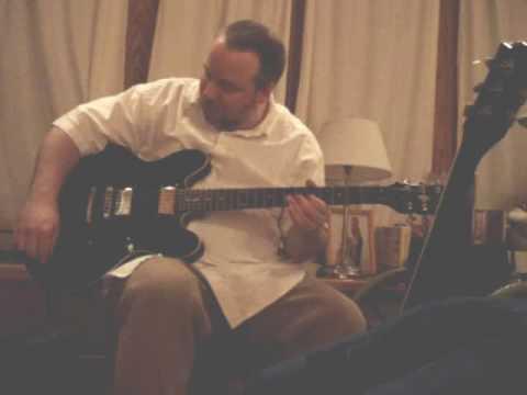 Gibson 335 vs. Epiphone DOT