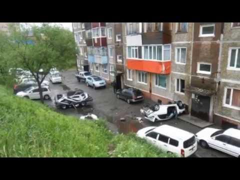 На Камчатке Субару влетел в балкон 2 этажа