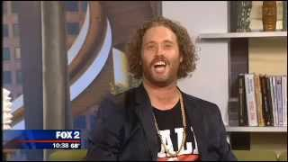 TJ Miller spills water on FOX 2 anchor Jason Carr (Full interview)