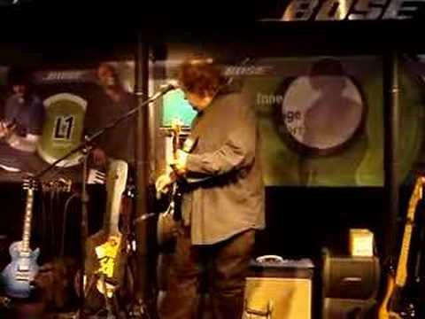 Marillion . Steve Rothery at the Nec .