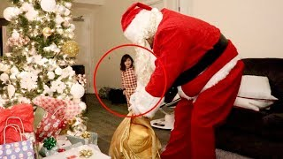 PENELOPE CATCHES SANTA CLAUSE PRANK!!!