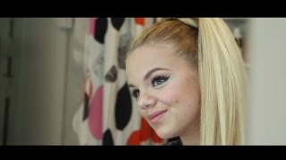 ESC 2015-Dänemark-Julie Bjerre: Tæt på Mine Drømme