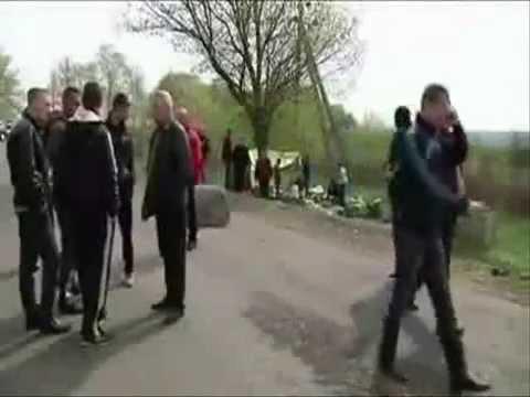 [raw]Славянск  перестрелка на блокпосту, пятеро убитых-Deadly Shootout in East Ukraine