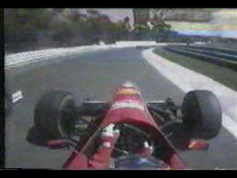 Estoril 1996 - Villeneuve overtakes Schumacher on the outside