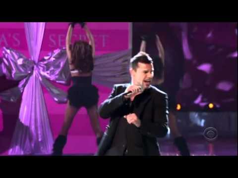 Ricky Martin Victorias Secret 2005  Drop It On Me HD
