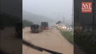 Mud flood on MRR2, traffic jams around city after heavy rain