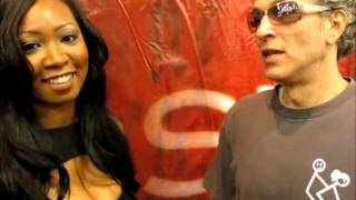 Exclusive:Kiki Rockstar Talks Anal Sex Tips with Seymore Butts at Exxxotica 2011!