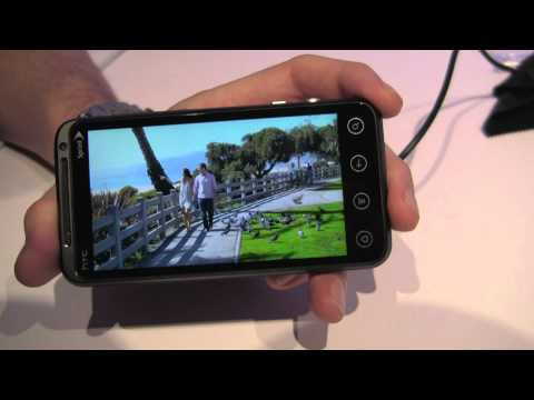 hTC EVO 3D Hands-on (24)