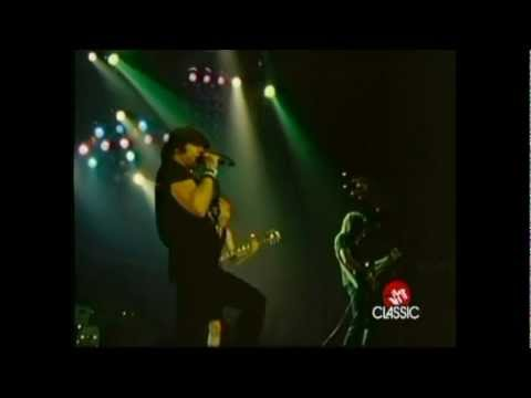 AC/DC- For Those About to Rock (We Salute You) [Landover, MD, USA, 12/20-21/1981] (Proshot)