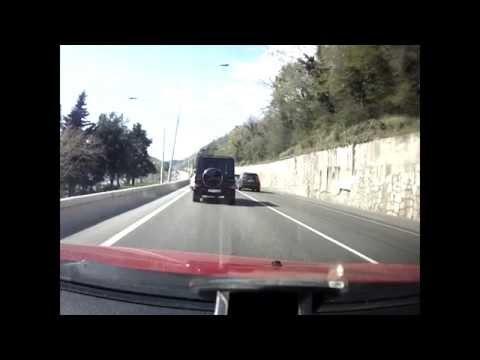 На эстакаде Адлер-Сочи столкнулись Ford и Mercedes