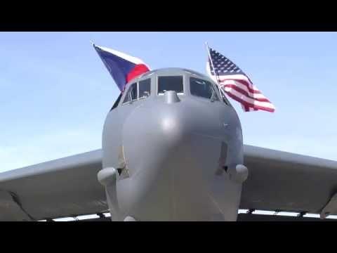 Dny NATO 2015 - přílet B-52