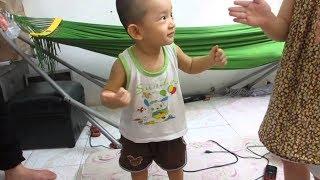 Em Bé Nhảy Dễ Thương Hài Hước Cười Vỡ Bụng ❤ TRÒ CHƠI TRẺ EM ❤ Babies Jumping on the Bed