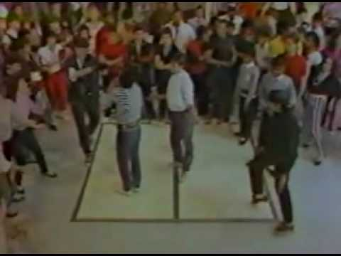 That's how people breakdanced in 1983.