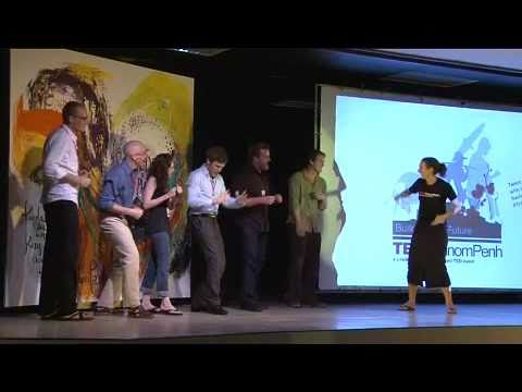 TEDxPhnomPenh - Daniela Papi - Learn to count to 20 in Khmer in 60 secs