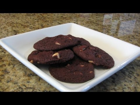 Red Velvet Chip Cookies - Lynn's Recipes