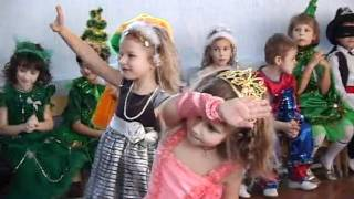 Выход детей на Новогодний утренник.flv