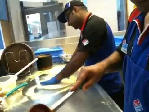 How to make Dominos pizza