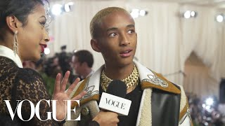 Download Lagu Jaden Smith on His Cozy Look for the Met Gala | Met Gala 2018 With Liza Koshy | Vogue Gratis STAFABAND