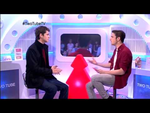 Glee star Damian McGinty on Two Tube
