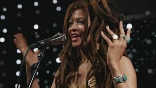 "Valerie June - 米KEXPにて""Astral Plane""など4曲をスタジオ・ライブで披露 映像を公開 thm Music info Clip"