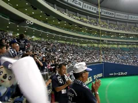 球場で聴くと鳥肌が立つ応援歌で打線組んだ