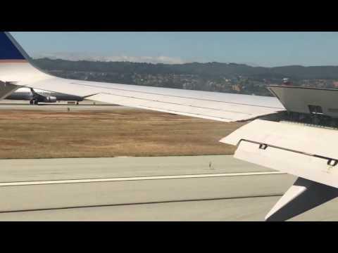 Dos aviones aterrizando en paralelo hipnotizan a usuarios de Youtube