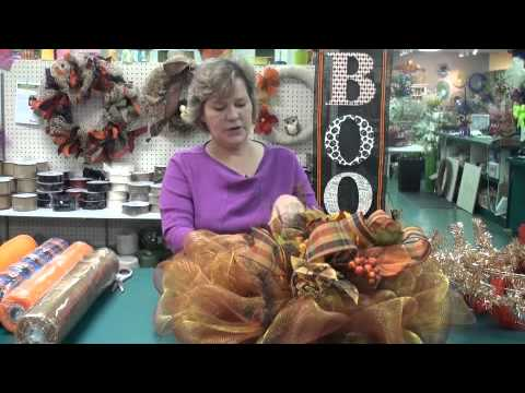 Using deco mesh for fall home decor youtube for Home decorations youtube