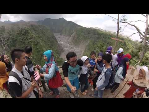 Family Trekking To Kelud Crater, Blitar Side