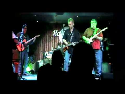 Pete plays with Lee Roy in Nashville