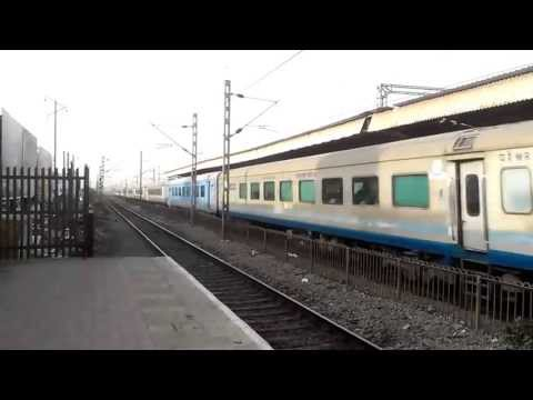 BCT-ADI SHATABDI with WAP-5 30051 (AMUL Advertisement)