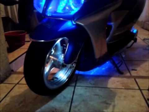 TUNEADAS <--) Tu sitio de moto tuning > :: Galería De