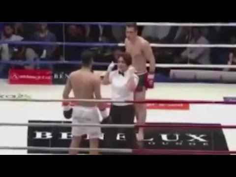 Kick Boks Hakemi Bahar ÖNDER E Yumruk Attı