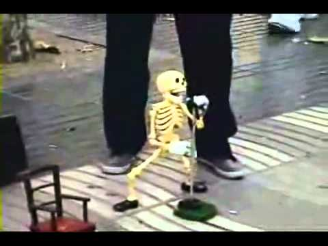 Esqueleto Bailando Cusinela (original)