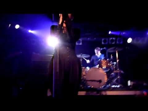 Anna Calvi - First We Kiss (Live at Debaser Slussen, Stockholm 2011-10-12)